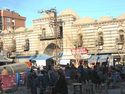 Karawanserei bazar firat dicle kulturzentrum armenische familie und